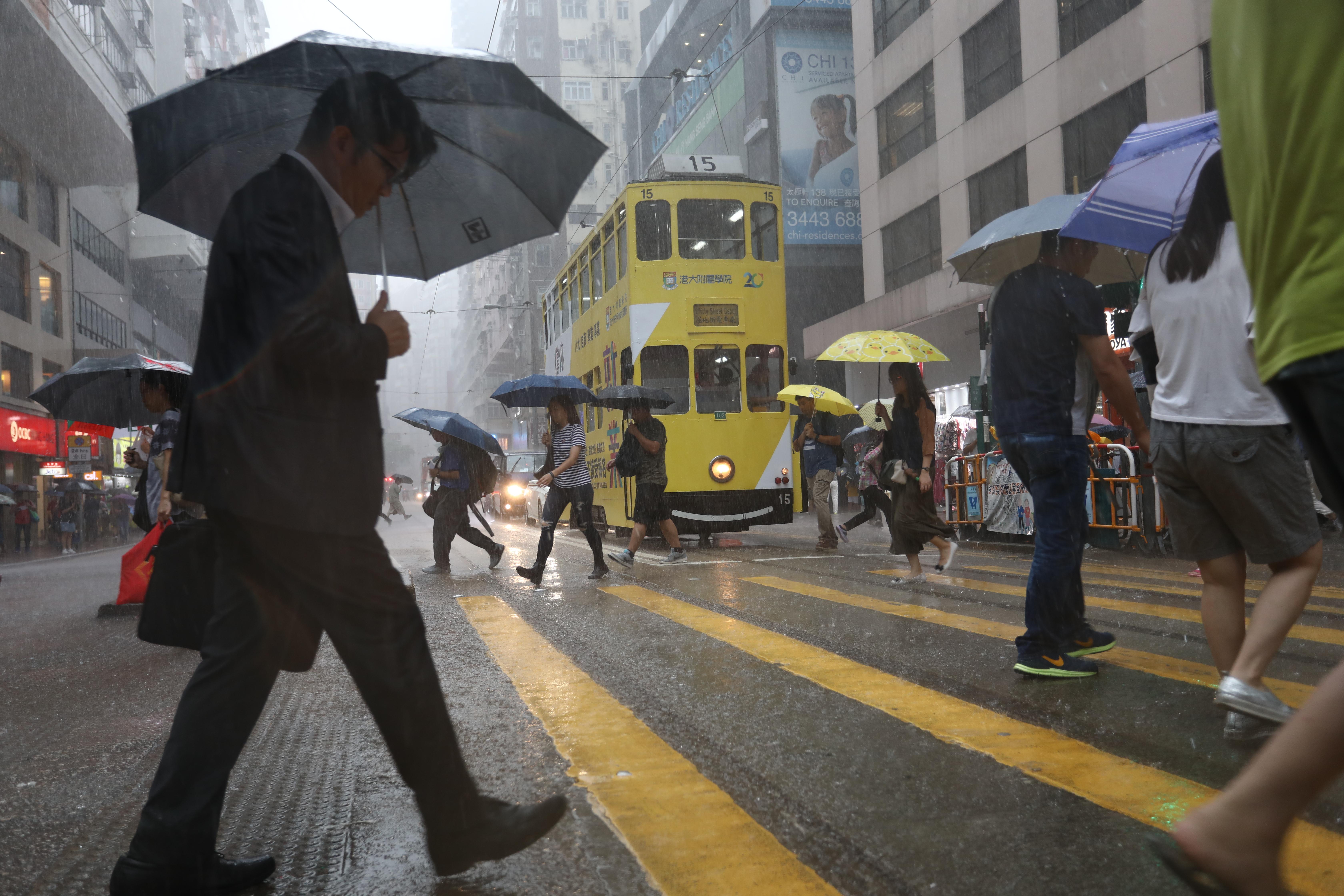 Stocks Blog: Hang Seng racks up 2 7 per cent monthly loss in