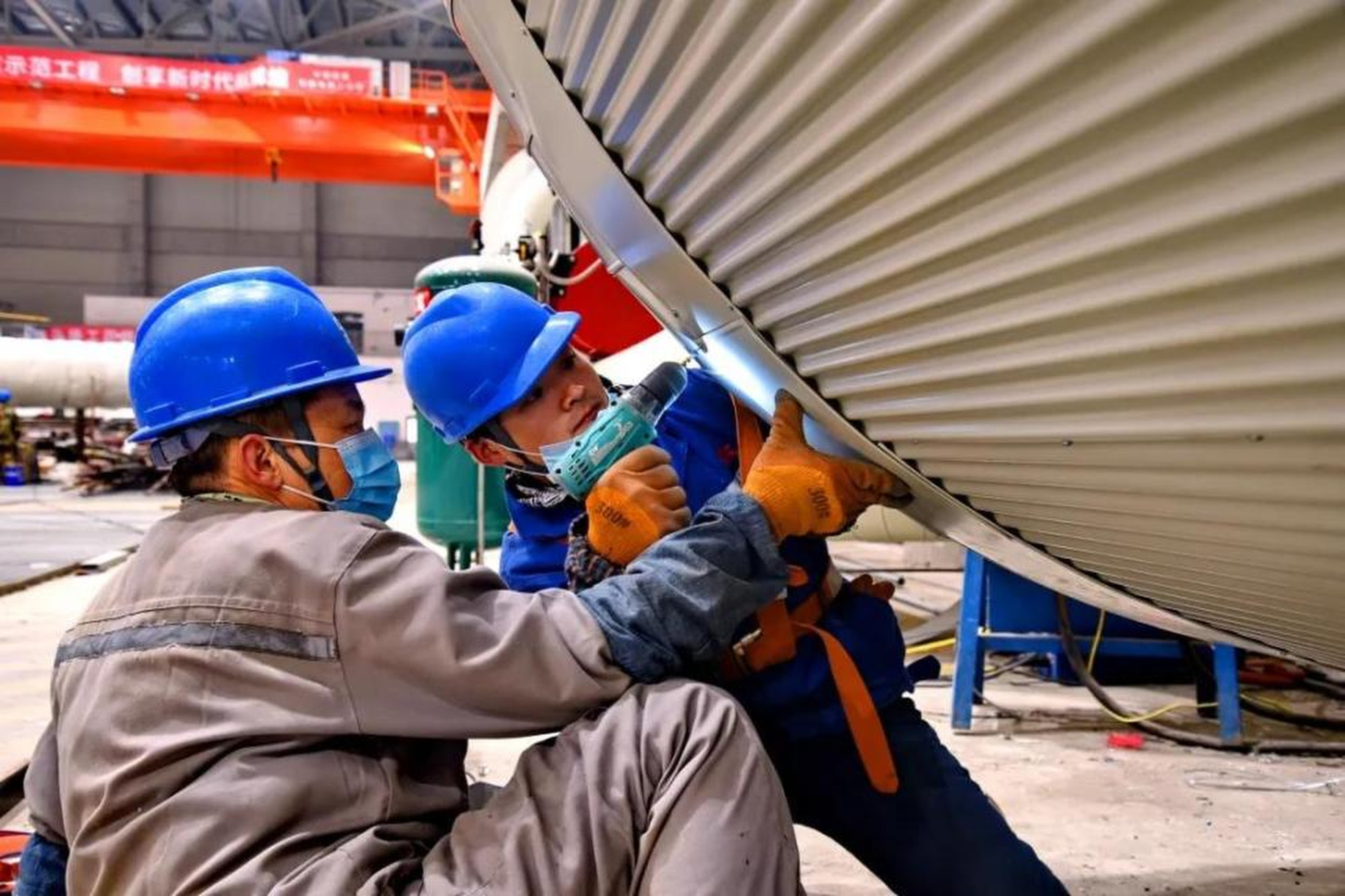 An undated photo of workers at work at Phase Two of Shenergy Group's Pingshan coal-fired power plant in the Anhui provincial city of Huaibei. Photo: seetao
