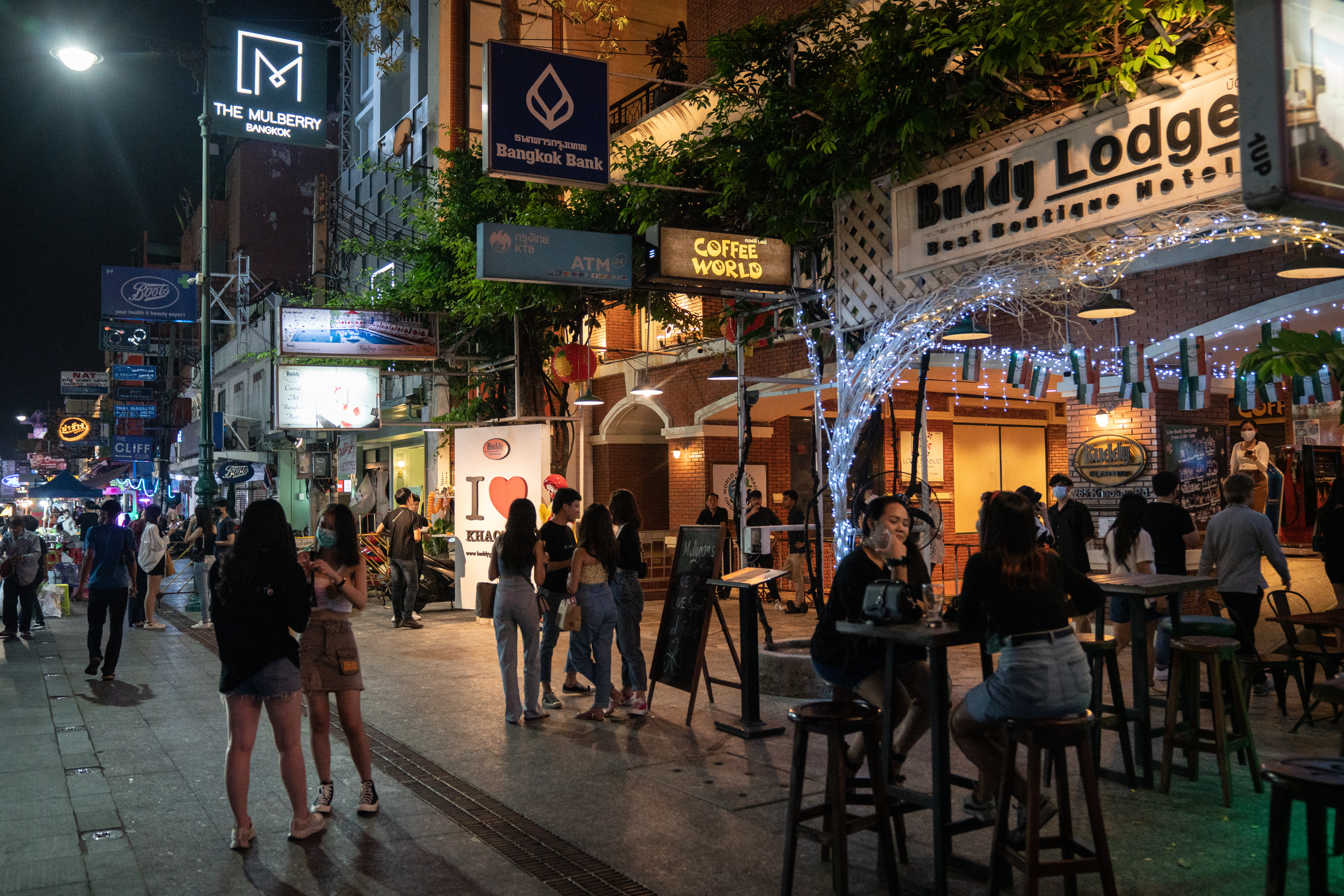 Thailand's 'Hi-So' elite blamed for new Covid-19 cases forcing closure of  nightspots | South China Morning Post