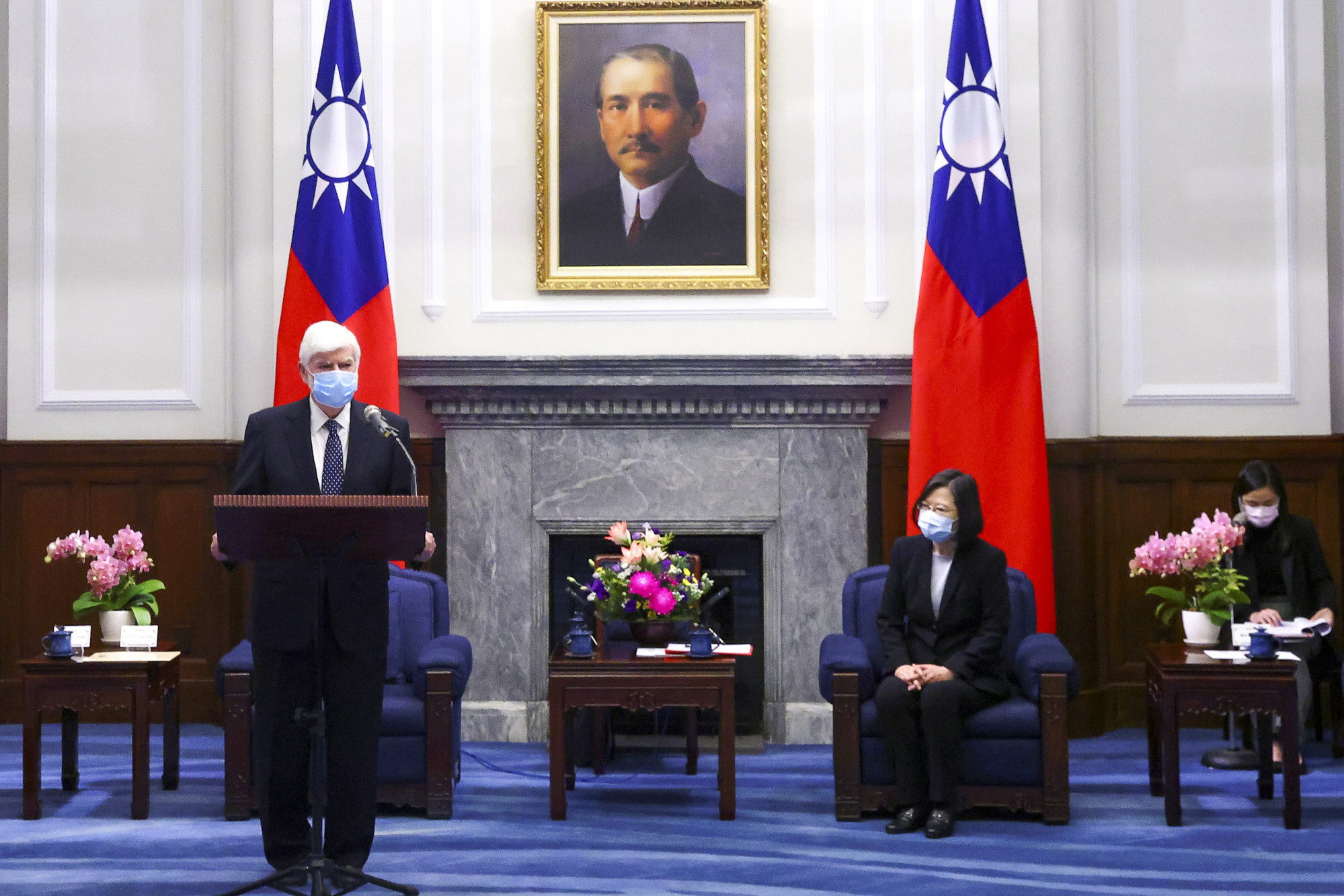 US emissary Chris Dodd speaks at the meeting with Taiwanese President Tsai Ing-wen in Taipei. Photo: Reuters