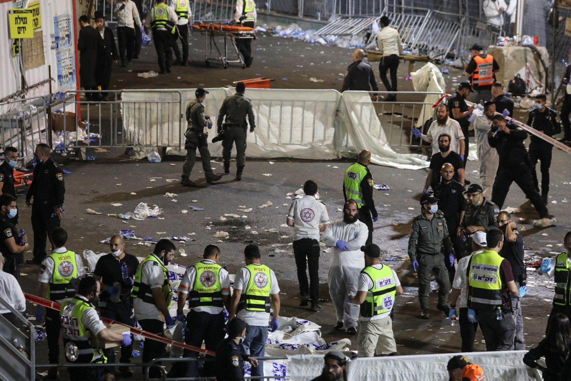 מירון האסון הכי גדול בישראל מאז הקמת המדינה 44 מתים 150פצועים בהם 23 קשה ילדים נמצחו למוות-אך המשטרה אפשרה כניסה ל 250000   43cf0941-8633-4944-83cf-293526c8abbc_d8cac2a8