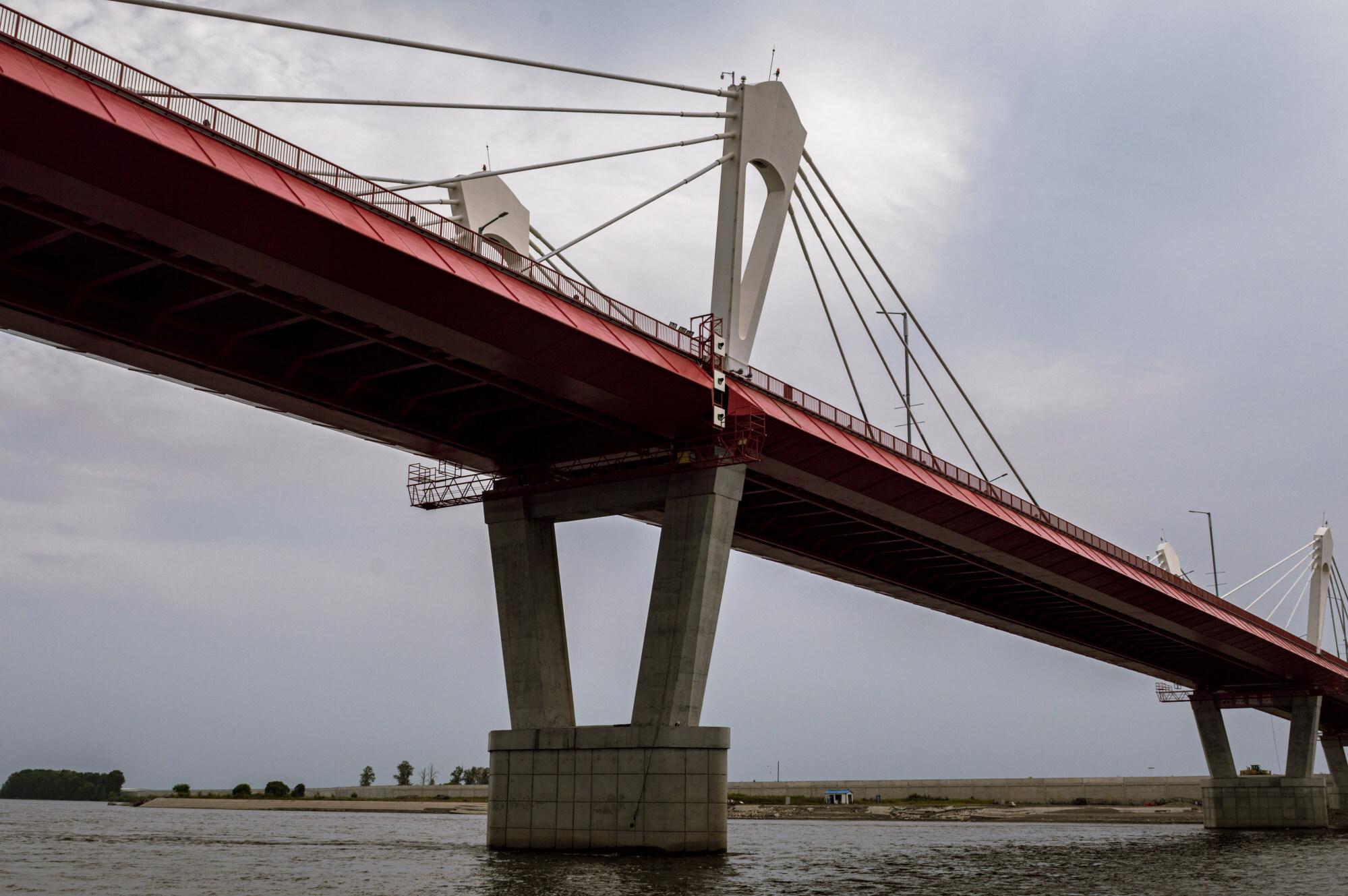 1080-метровый мост, соединяющий Благовещенск России с китайским Хэйхэ. Фото: Татьяна Саймс