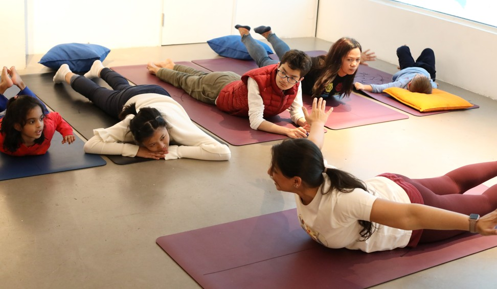Chellaram during a yoga class in Sai Ying Pun. Photo: K.Y. Cheng