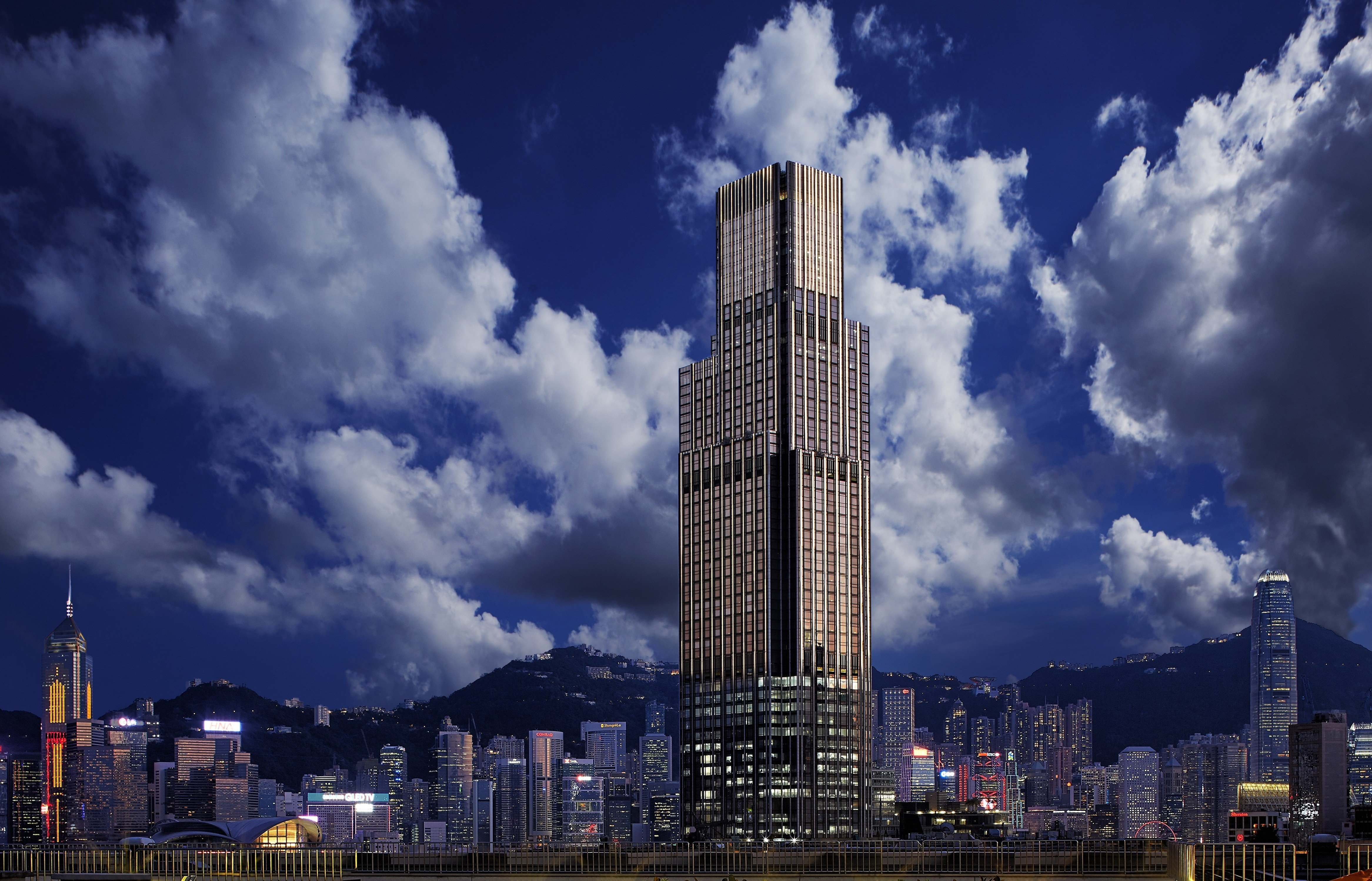 We check in to the Rosewood Hong Kong, the newest luxury hotel on