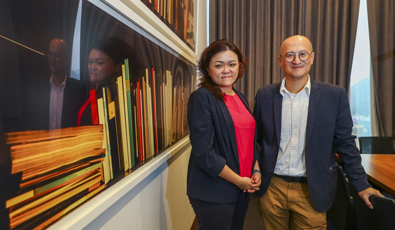 (L-R): Lena Wong, of Hong Kong Momtrepreneurs Limited, and James Chong, of Rolling Books Limited, at a lunch for the NGO leadership programme March 22. Photo: Edmond So