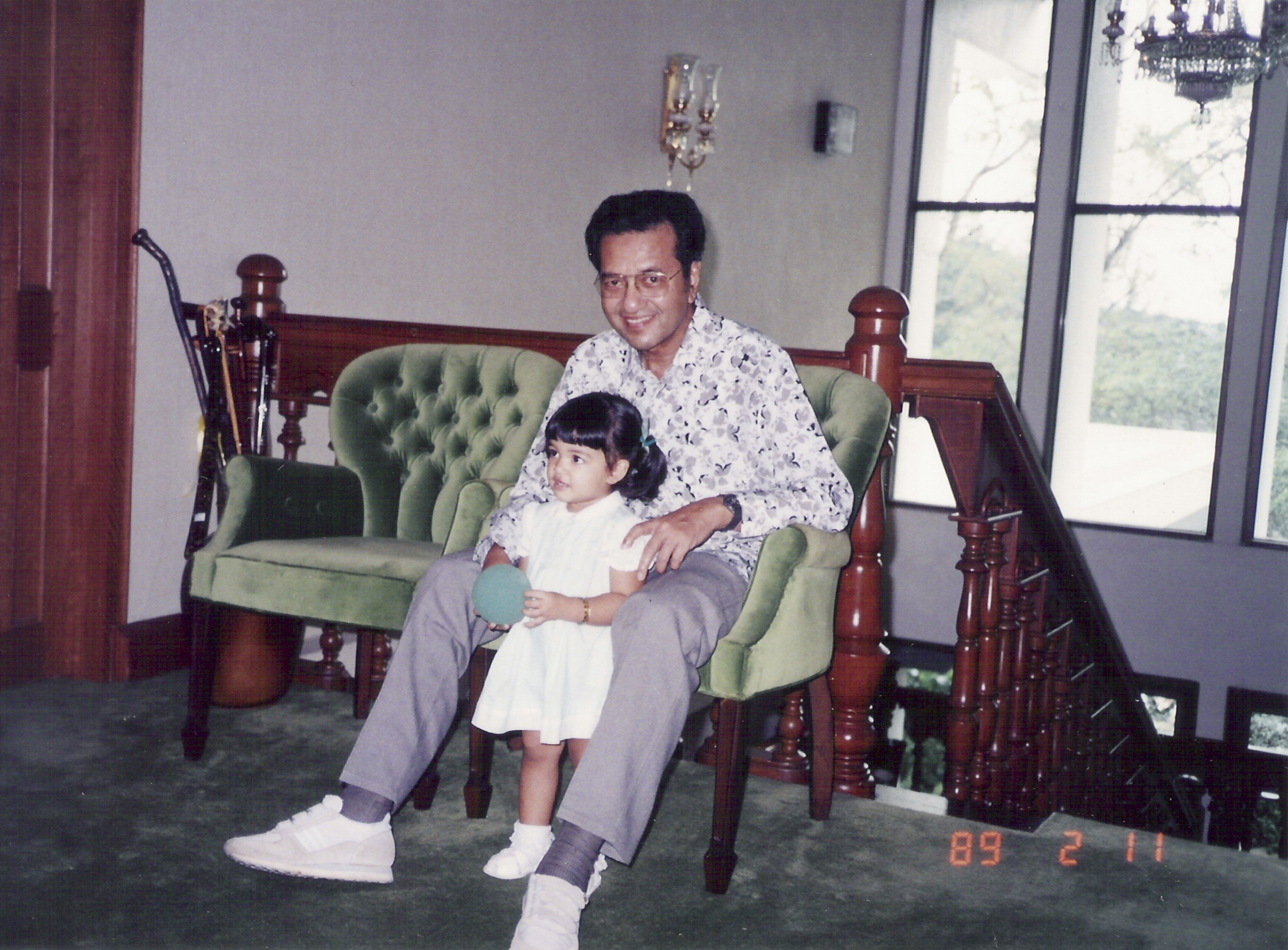 Grandchild Of Malaysia S Mahathir Mohamad Offers Intimate Look At