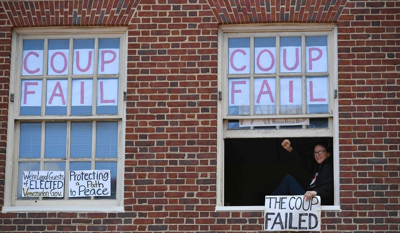 US agents arrest protesters occupying Venezuelan Embassy, now it could be handed to president Maduro's rival