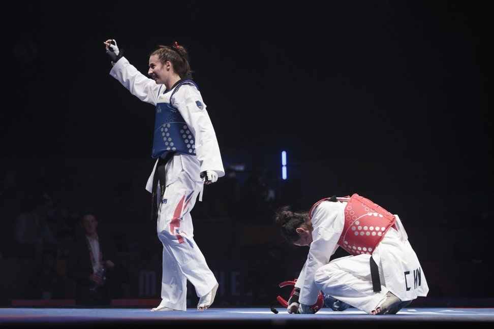 Taekwondo fighter Zheng Shuyin cries as China demands apology for 'very dirty' disqualification