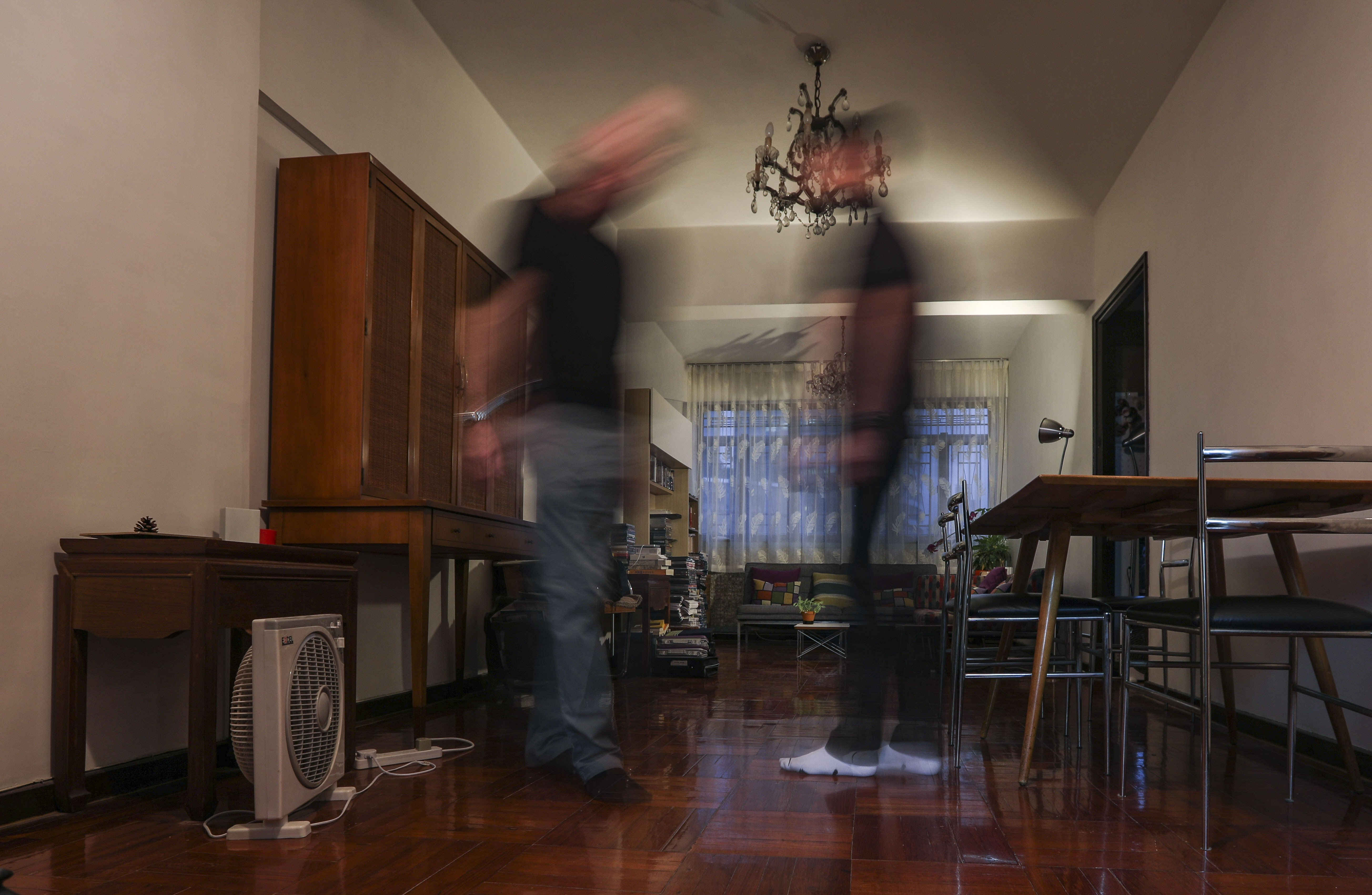 A 'haunted' Hong Kong flat: American tenant tries to get to