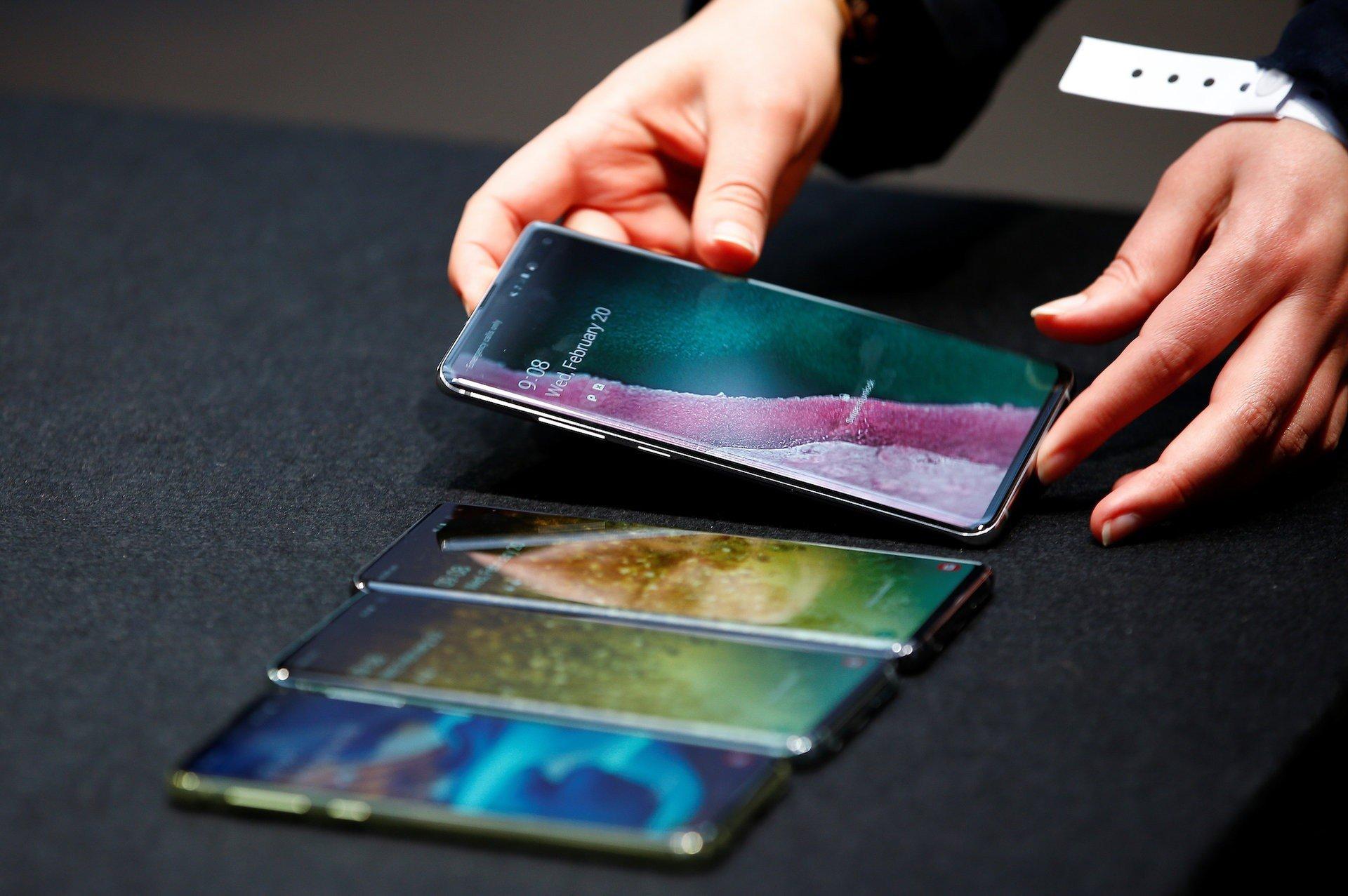 5 ways to take screenshots on your Samsung Galaxy S10
