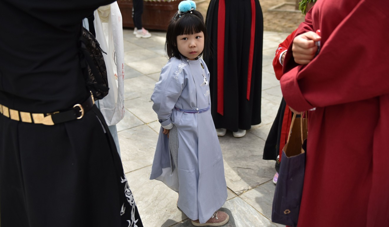 High school pupils and young children are drawn to China's hanfu trend. Photo: AFP