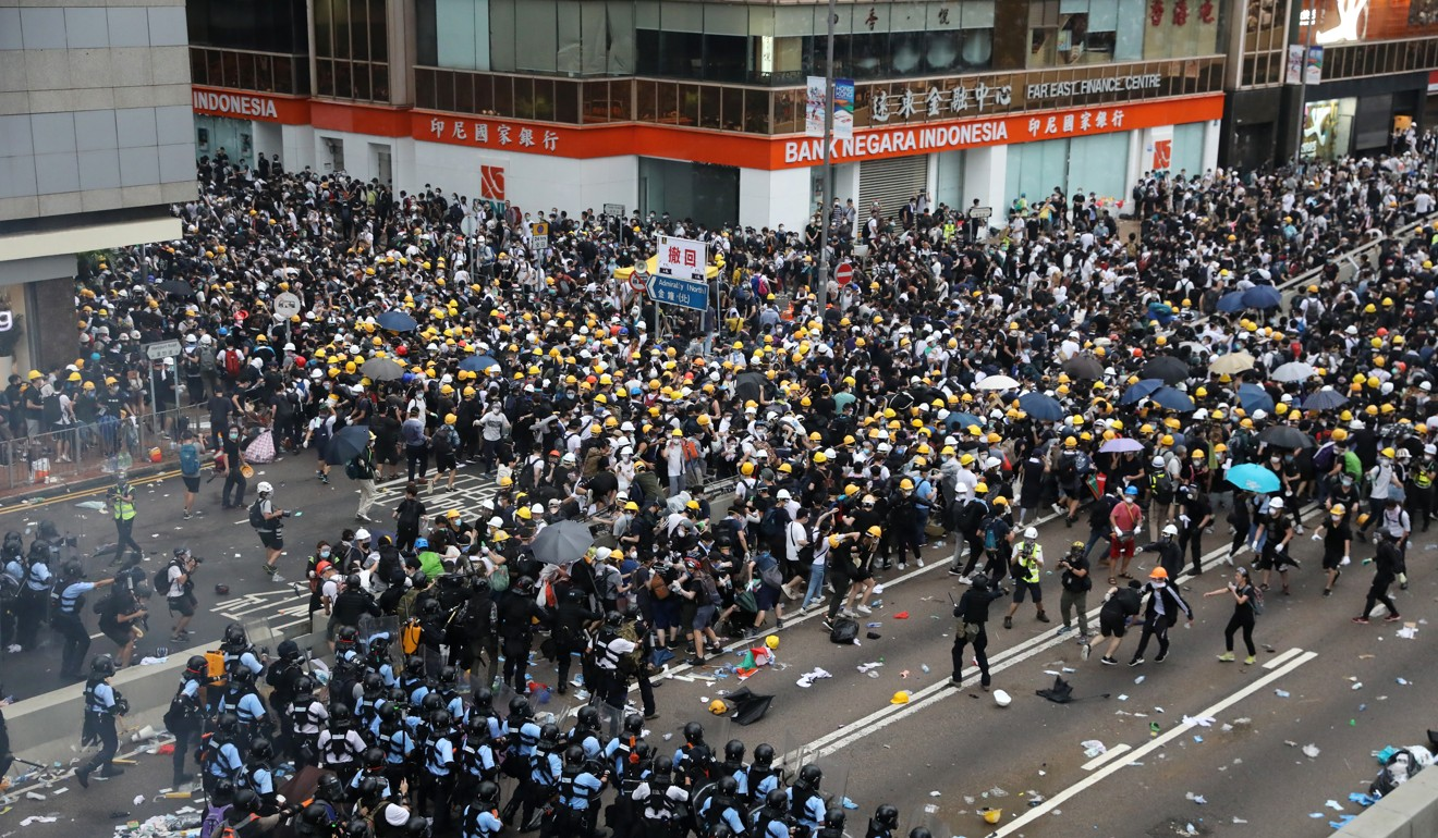 South Koreans rally to support Hong Kong protests against extradition bill