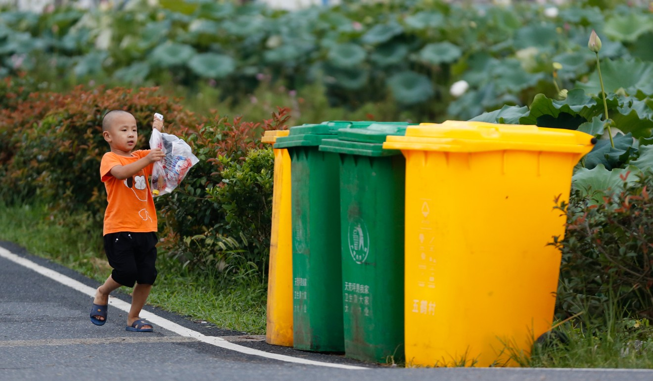 In 2000 the Chinese government chose eight cities to pilot a waste sorting plan but it made little progress. Photo: Xinhua