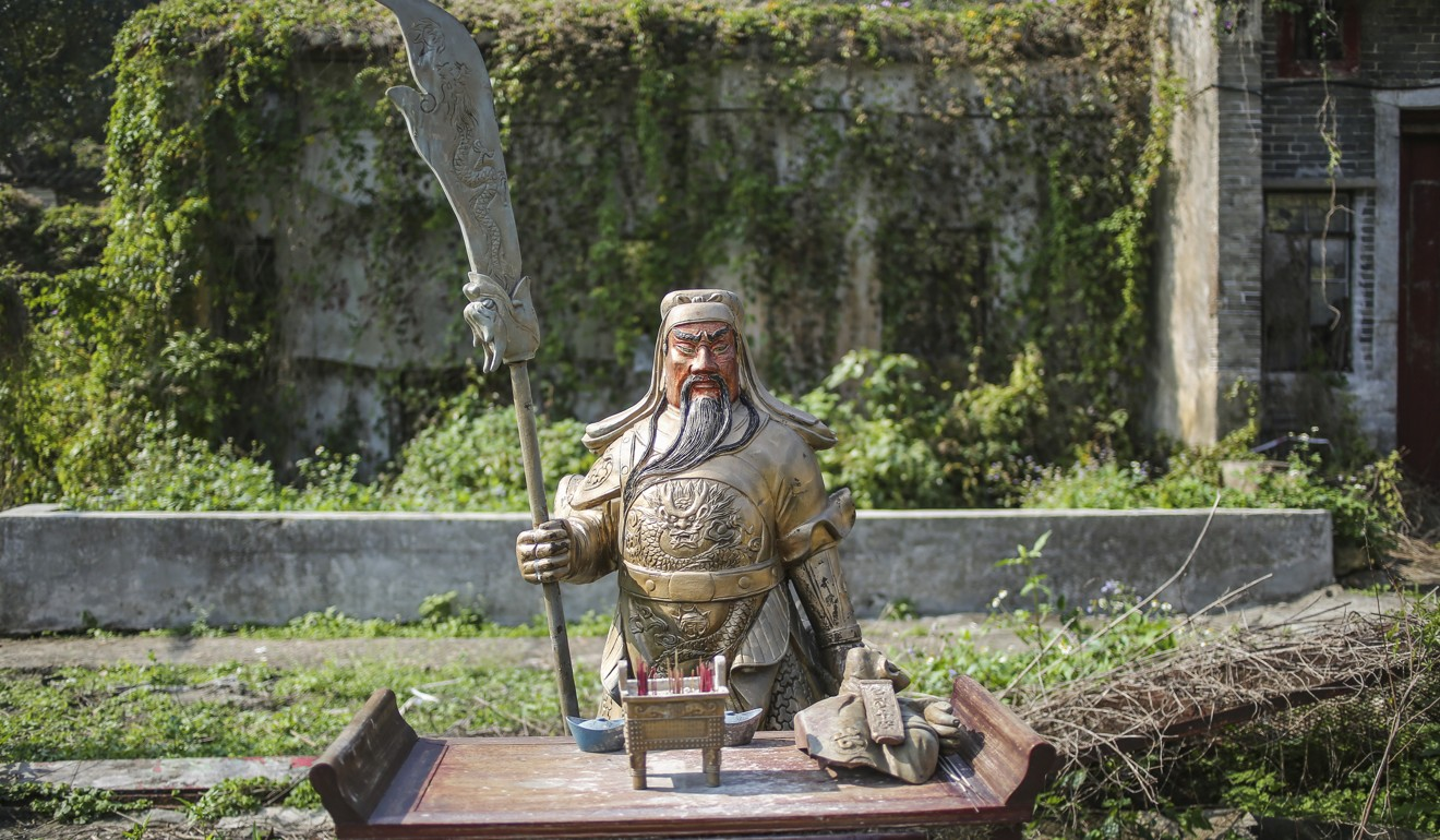 Revered by police, gangsters and businessmen: the warrior deity Duke Guan, a figure of loyalty and righteousness in Hong Kong and Asia, across three creeds