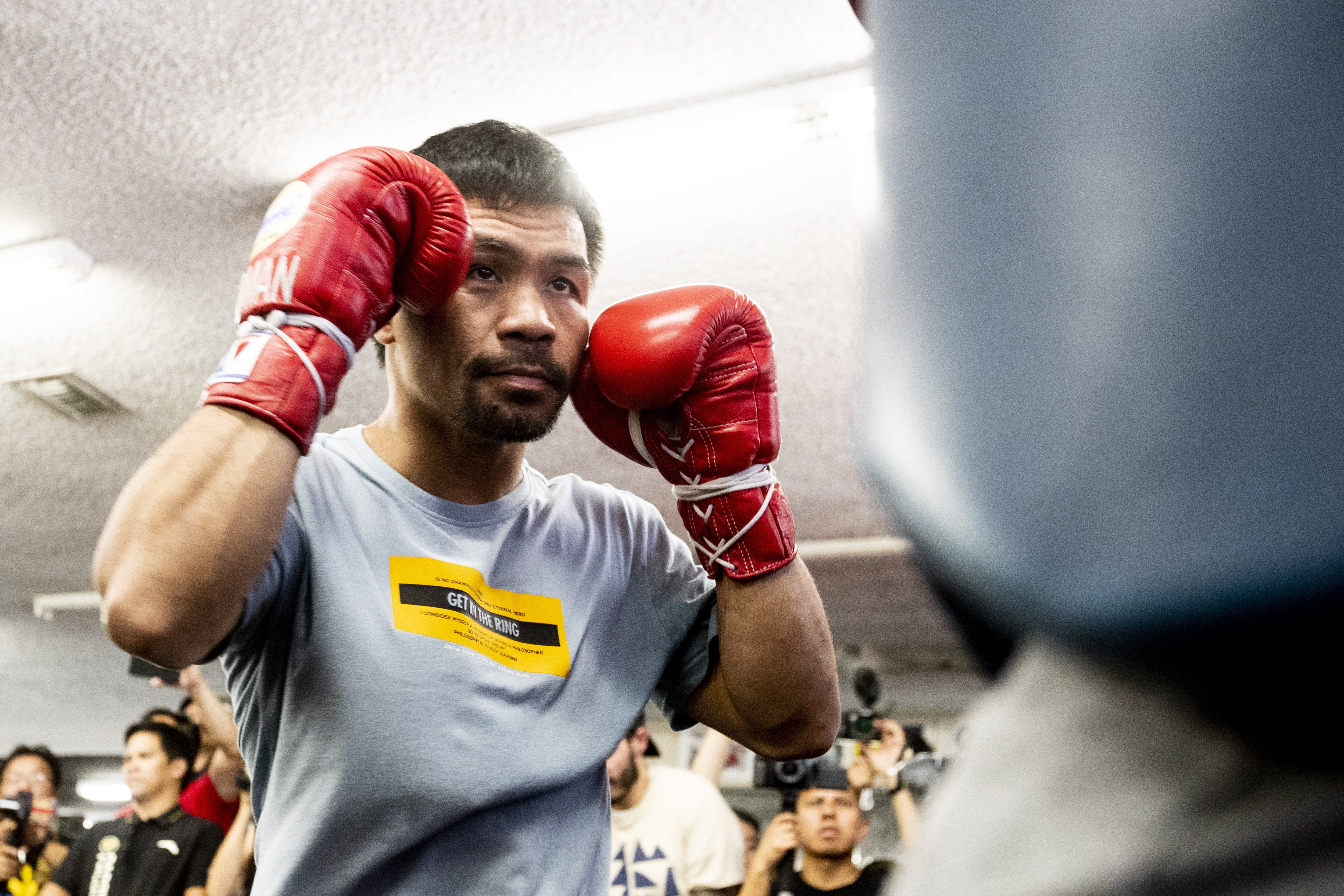 Manny Pacquiao compares himself to Tom Brady ahead of Keith Thurman