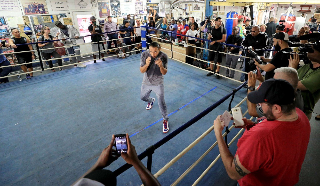 Manny Pacquiao defeats Keith Thurman: live blog -- as it