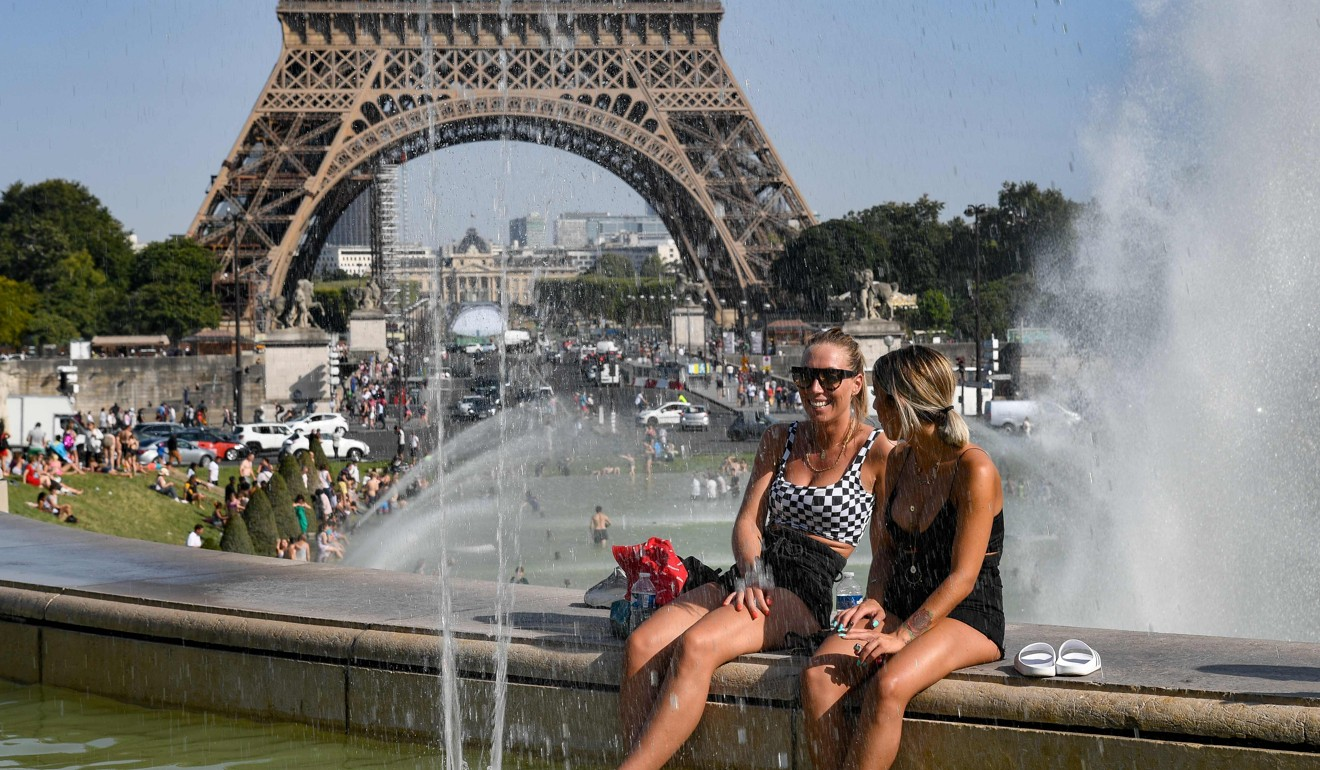 Water, sunscreen handed out to homeless people as Paris hits record 42.4C temperature