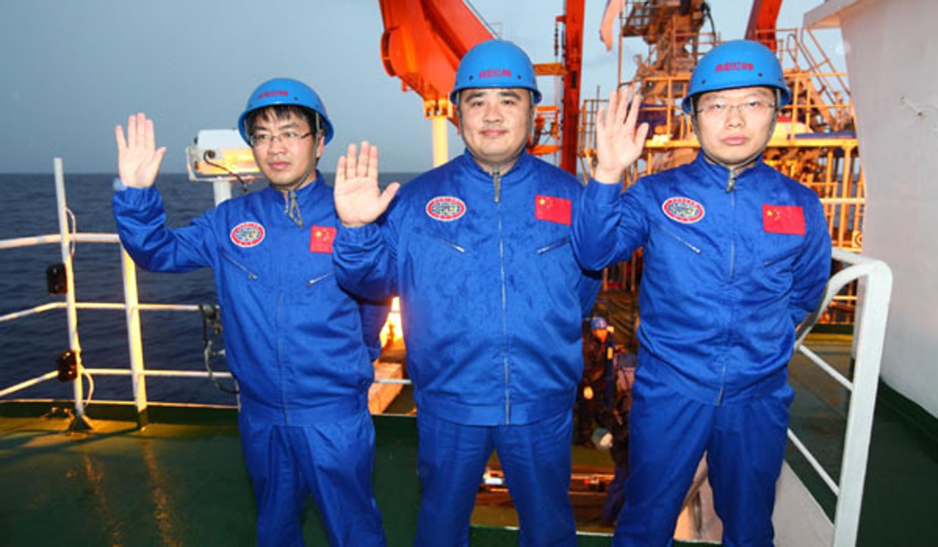 Chinese engineers follow the Sea Dragon with new submersible that can 'fly' through water like a plane in the air