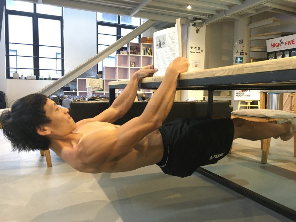 Zhouwen strengthens his core and works out his mind.