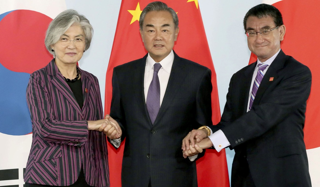 Premier Li Keqiang says a China-South Korea-Japan trade deal will safeguard peace and stability in Asia