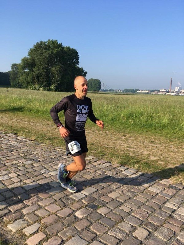 Andre Blumberg approaching the finish of the 230km TorTour de Ruhr ultramarathon in record time. Photo: Jens Witzel