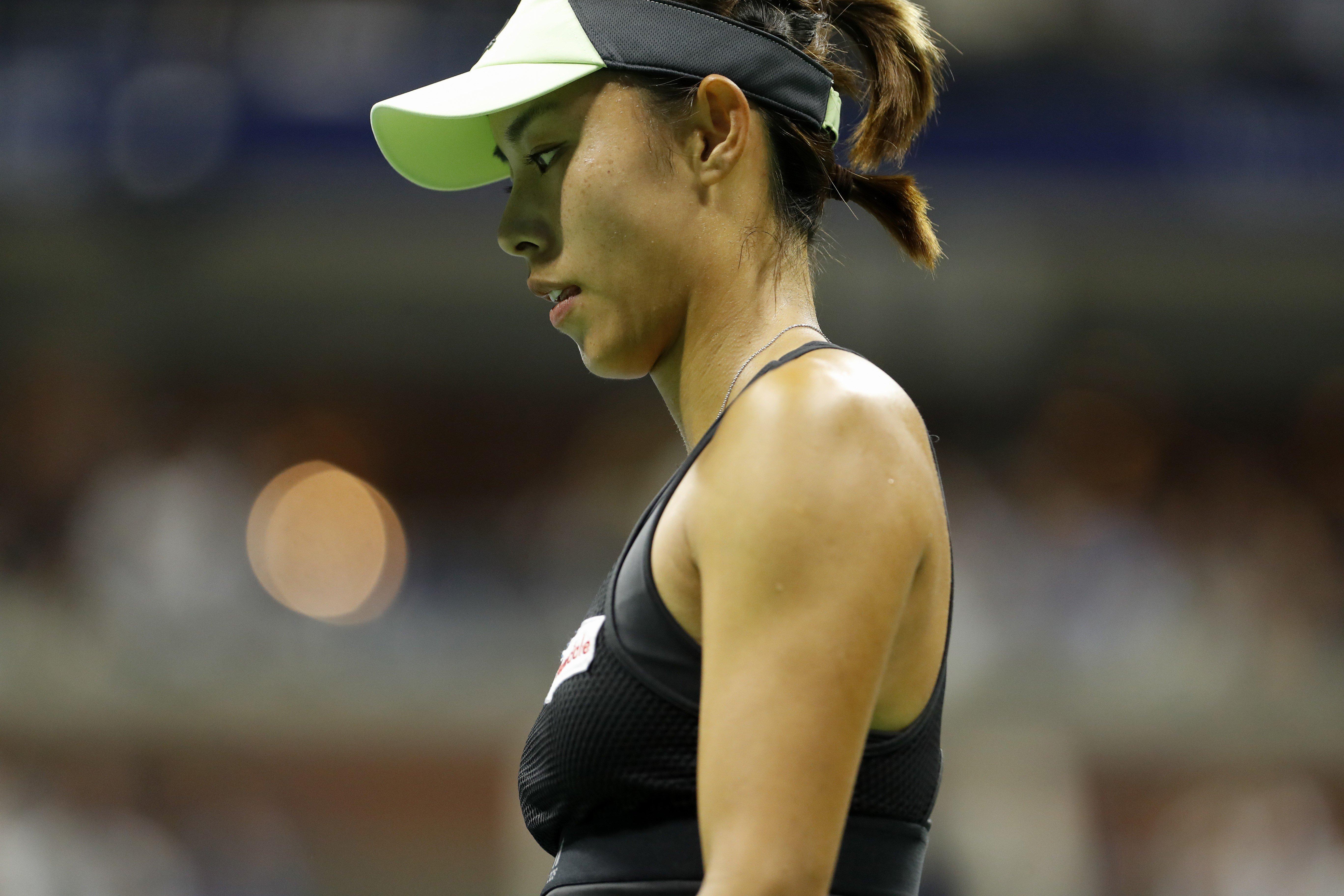 Venus Throws Herself At Waiting Arms Of >> Us Open Wang Qiang V Serena Williams Chinese Tennis Fans