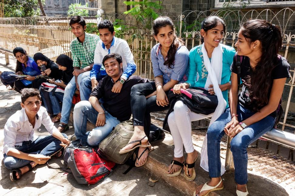 Teens' mental health zines help stressed, depressed students