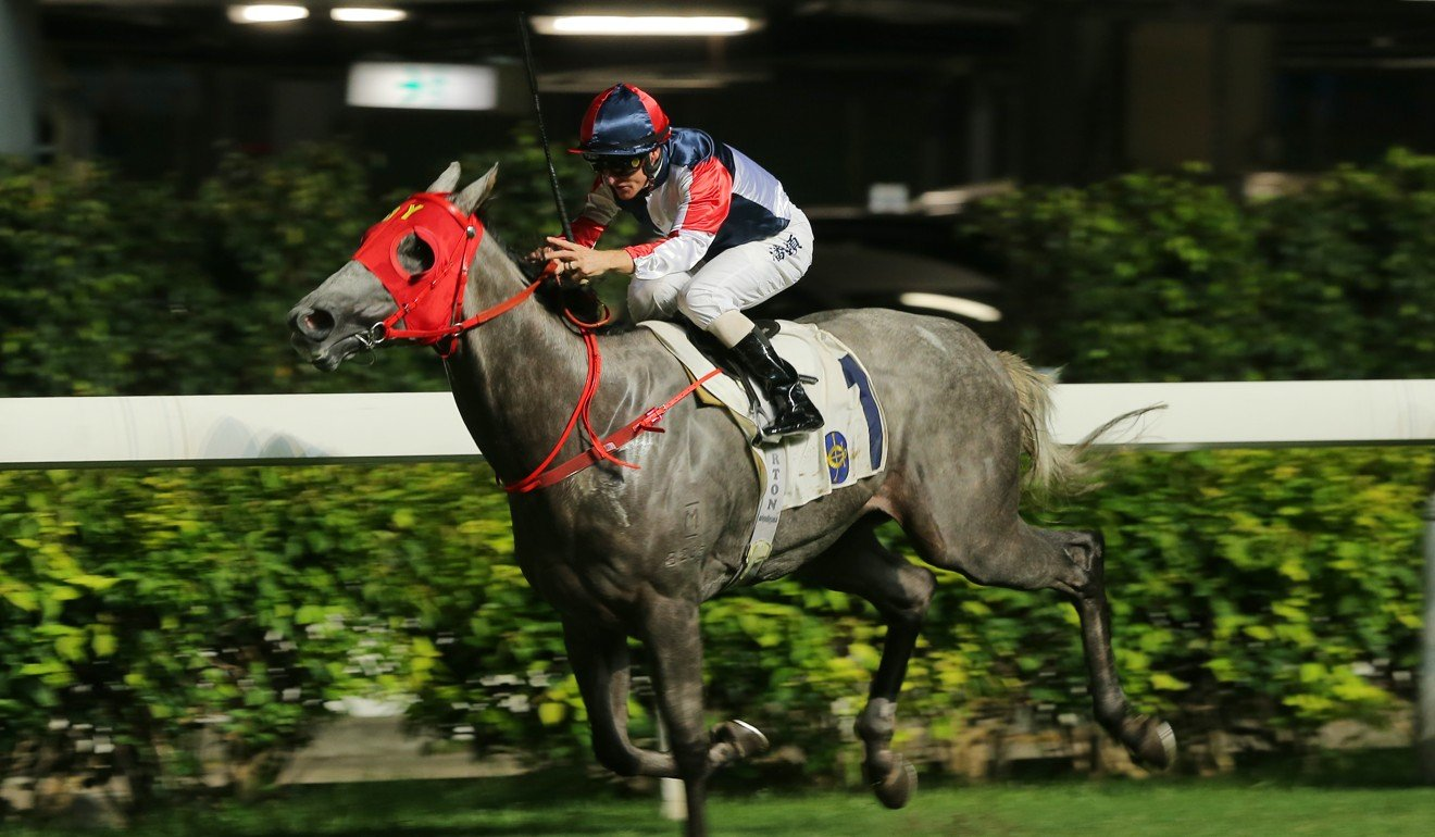 Racing Fighter wins under Zac Purton at Happy Valley.