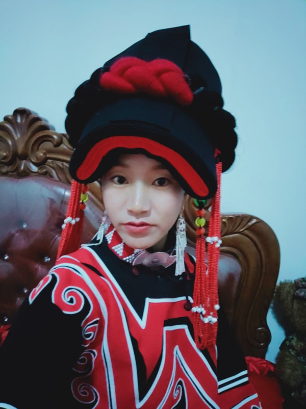 Lu Yangchun in traditional Yi folk costume. Photo: Handout