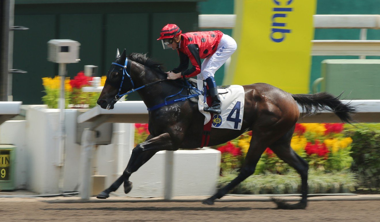 Chad Schofield dashes away to win easily on Deal Maker at Sha Tin.