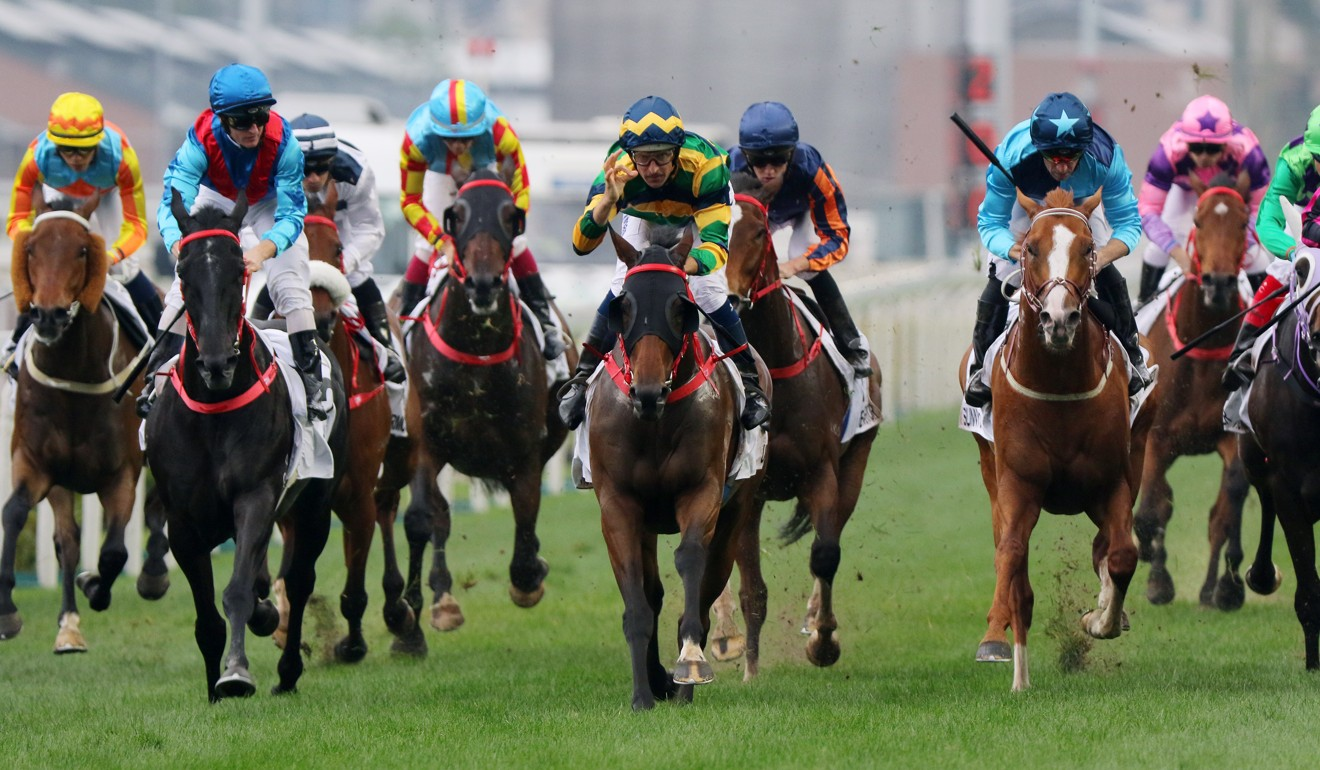 Furore (middle) beats home Dark Dream (left) in the Hong Kong Derby last season.