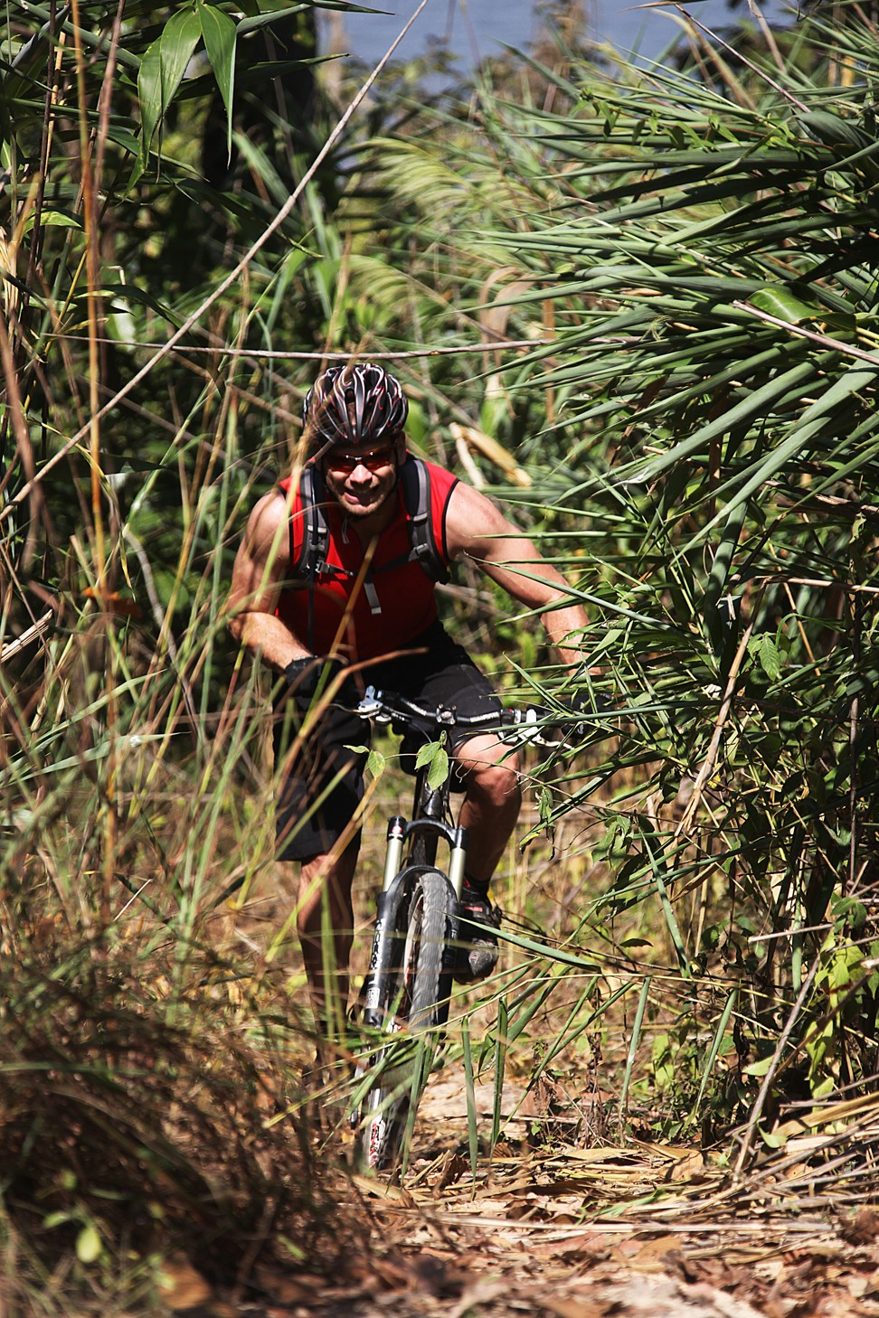 Riding the lowland trails between Huay Tung Tao and the 700 Years Stadium. Photo: Steve Thomas