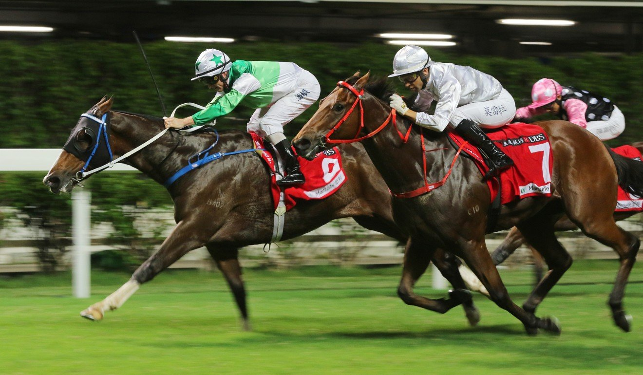 Special Stars (outside) is narrowly beaten by Snap Fit at Happy Valley.