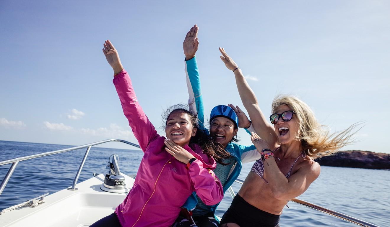 Mira Rai, Sunmaya Budha and Fernanda Maciel relaxing before the race. Photo: Tianlin