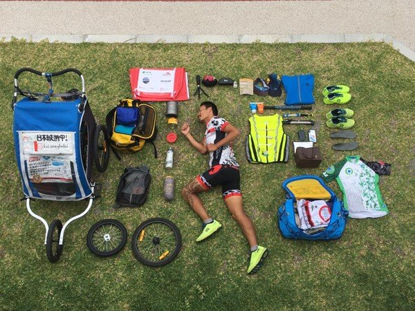 Wong Ho-fai carries all his gear in a buggy.