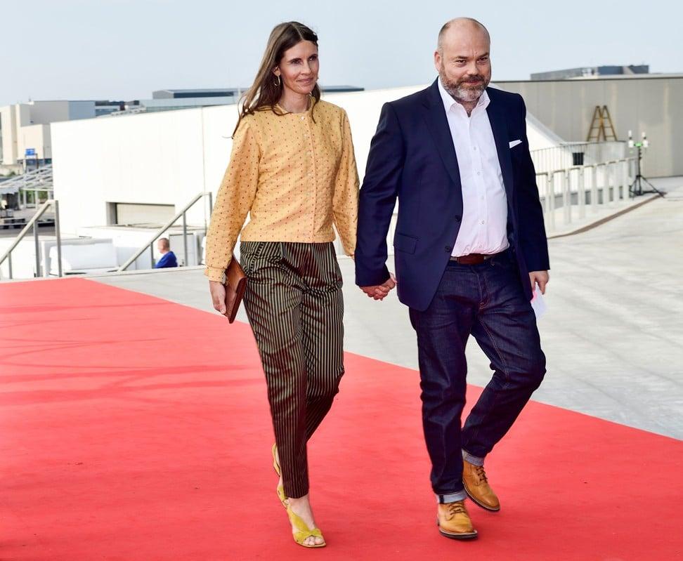 Anders Holch Povlsen và vợ Anne Holch Povlsen. Ảnh: AFP