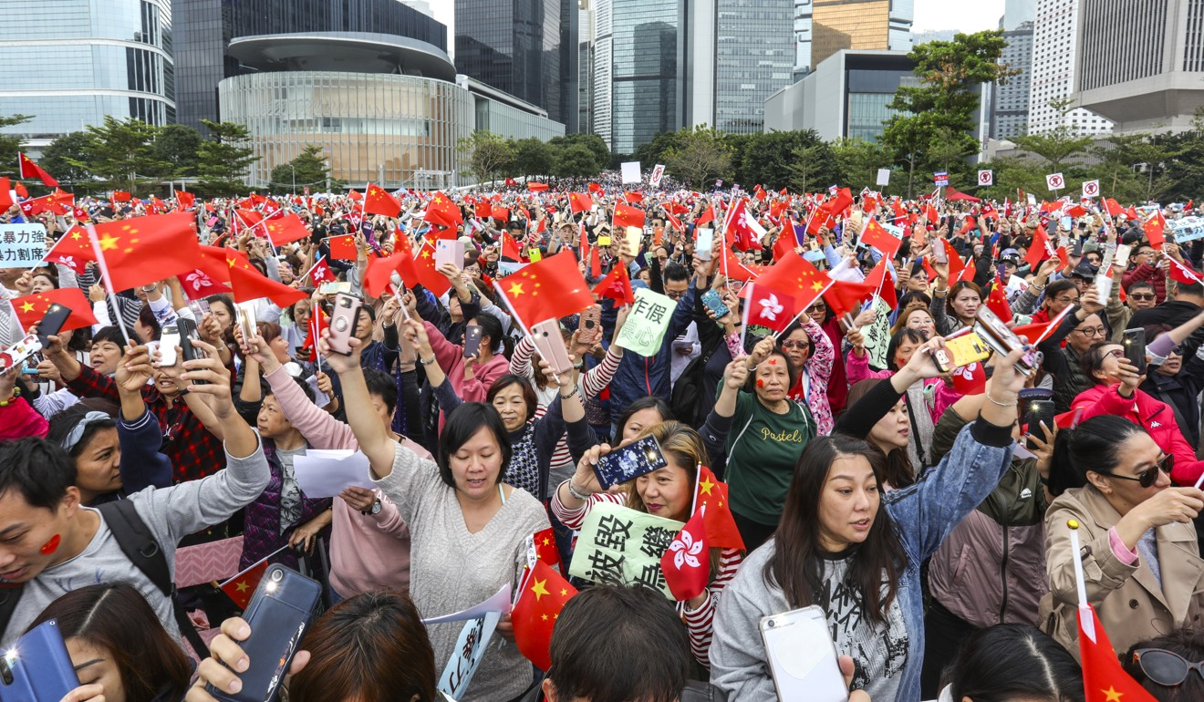 Pro-government supporters. Photo: May Tse