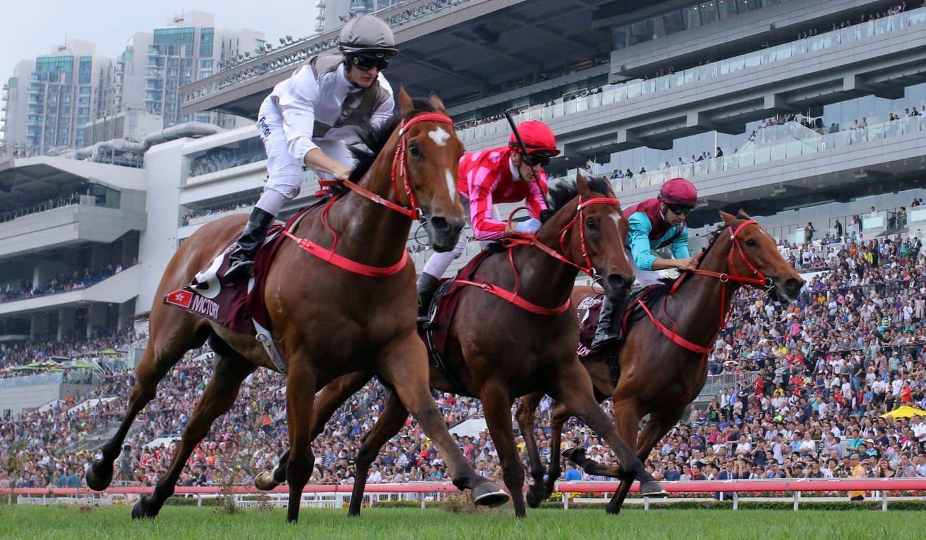 Ivictory (left), edges out Mr Stunning and Beat The Clock