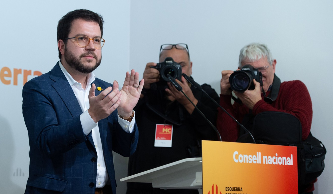Catalan separatists to break Spain's political deadlock by abstaining from coming vote