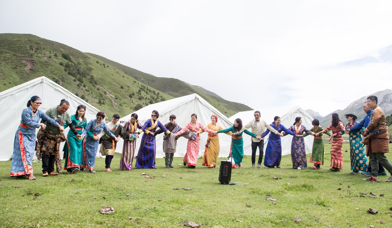 Experience the nomadic lifestyle, connect with nature and milk yaks at sunrise – adventure holidays on China's Qinghai-Tibet Plateau