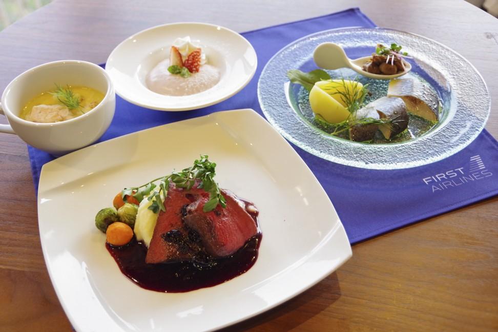Comida de Finlandia servida en un vuelo virtual en First Airlines en Japón.  Foto: First Airlines