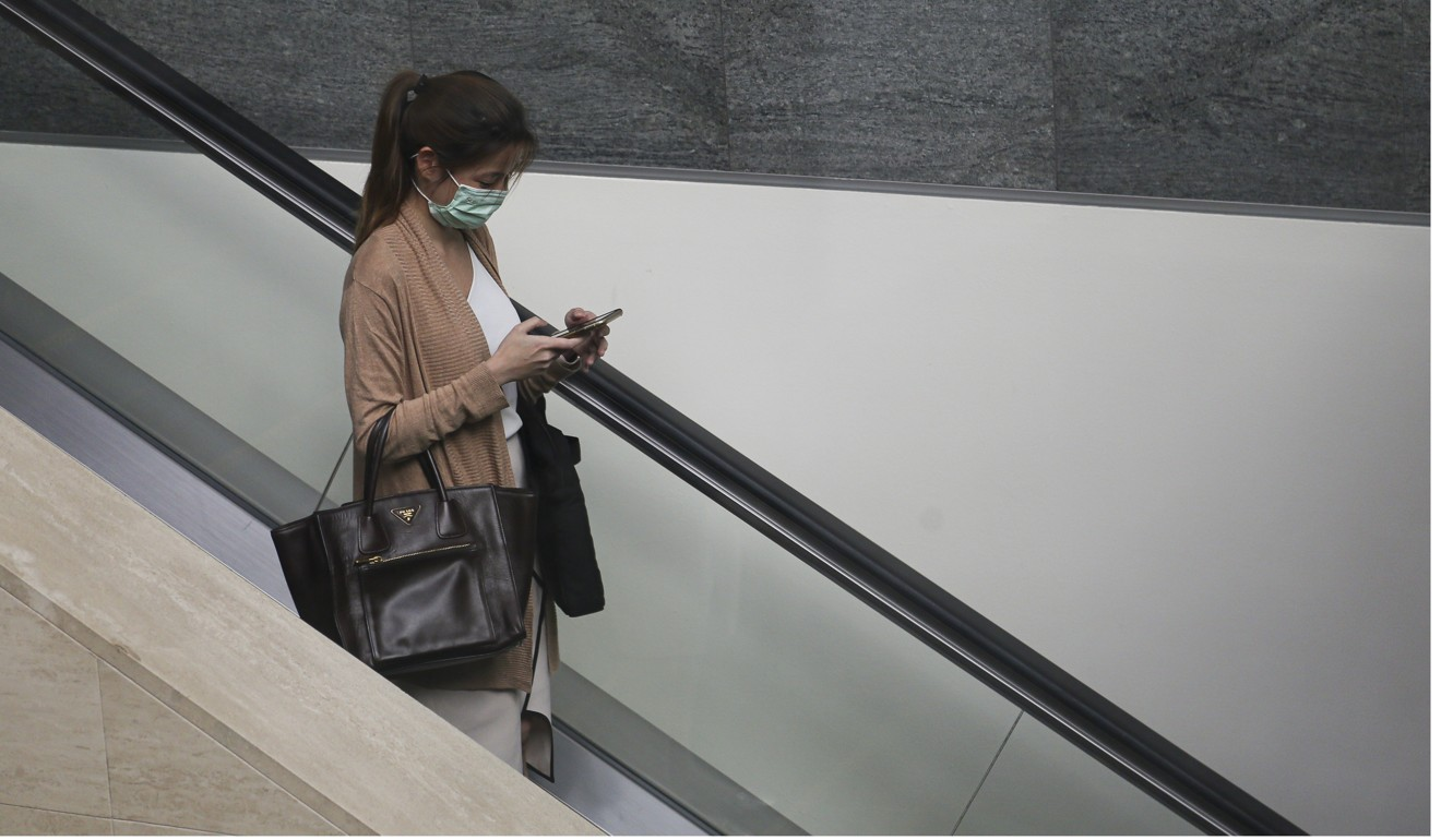 Coronavirus: cleaning your phone more effective than wearing a face mask. Here's how to do it