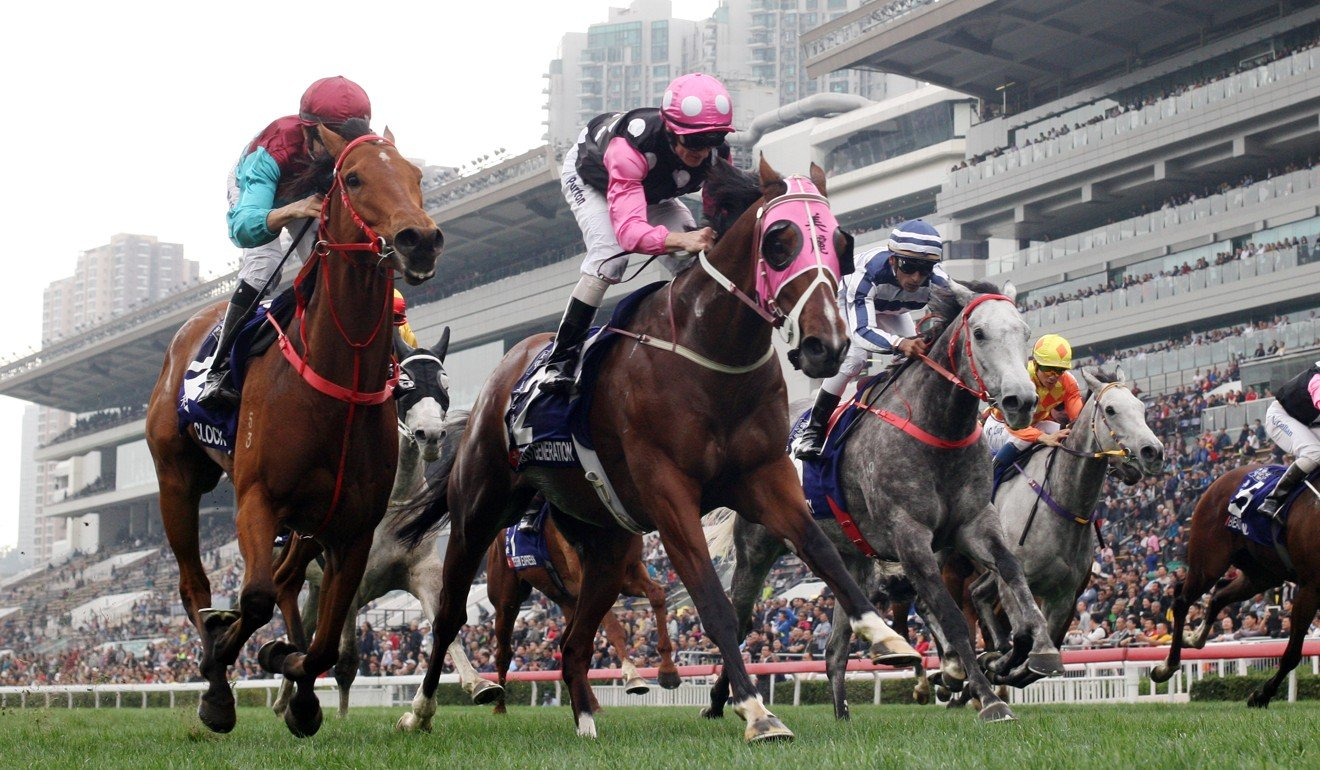 Beauty Generation (middle) edges Beat The Clock (left) in the 2018 Queen's Silver Jubilee Cup.