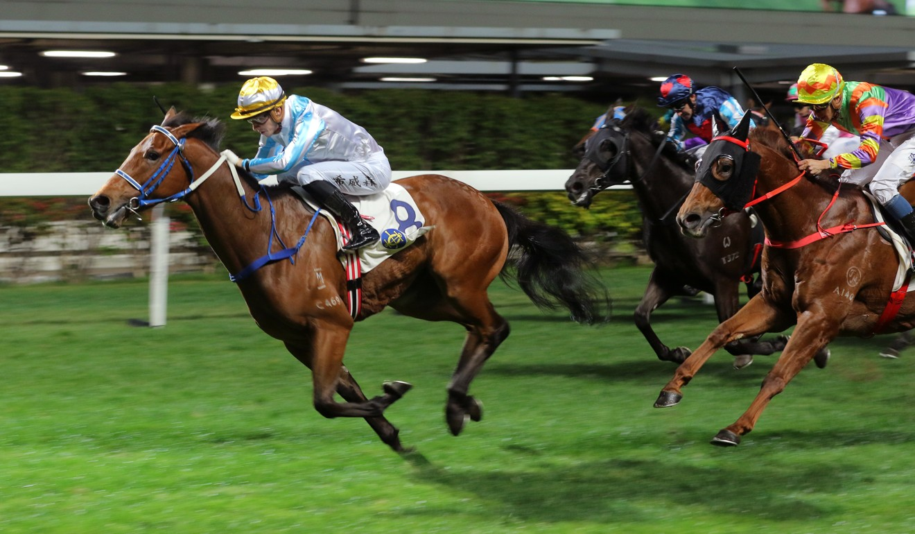 Lyle Hewitson boots Methane to victory at Happy Valley.