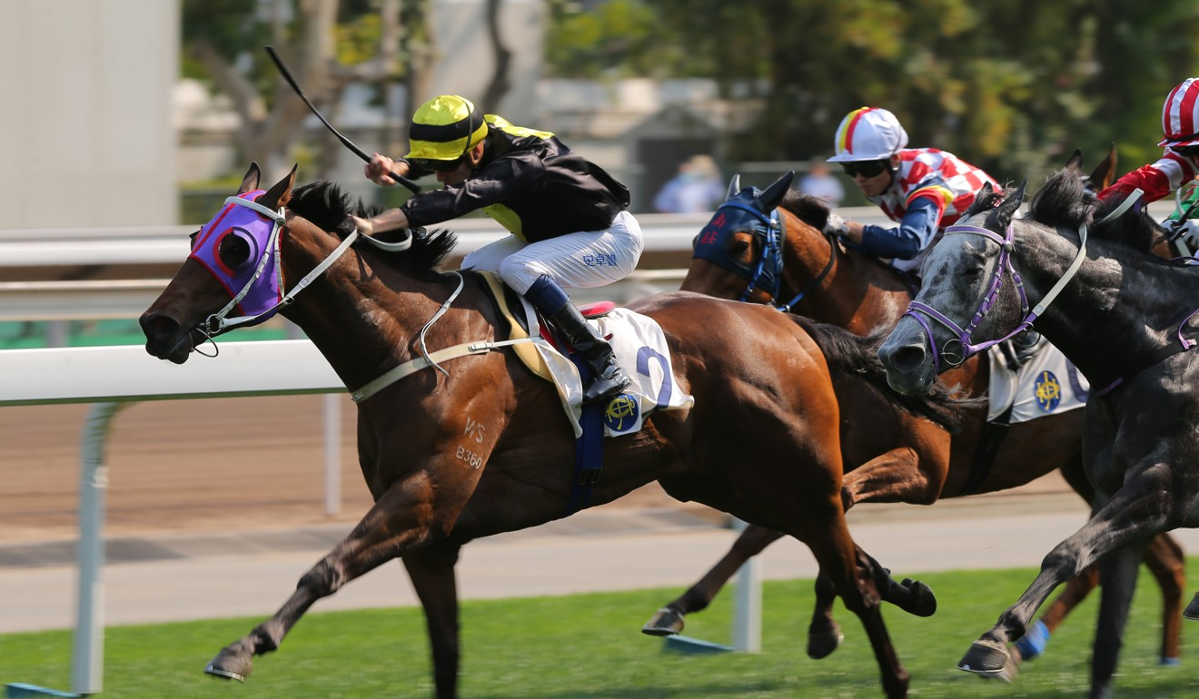 Chad Schofield kicks clear on Circuit Three at Sha Tin on Sunday.