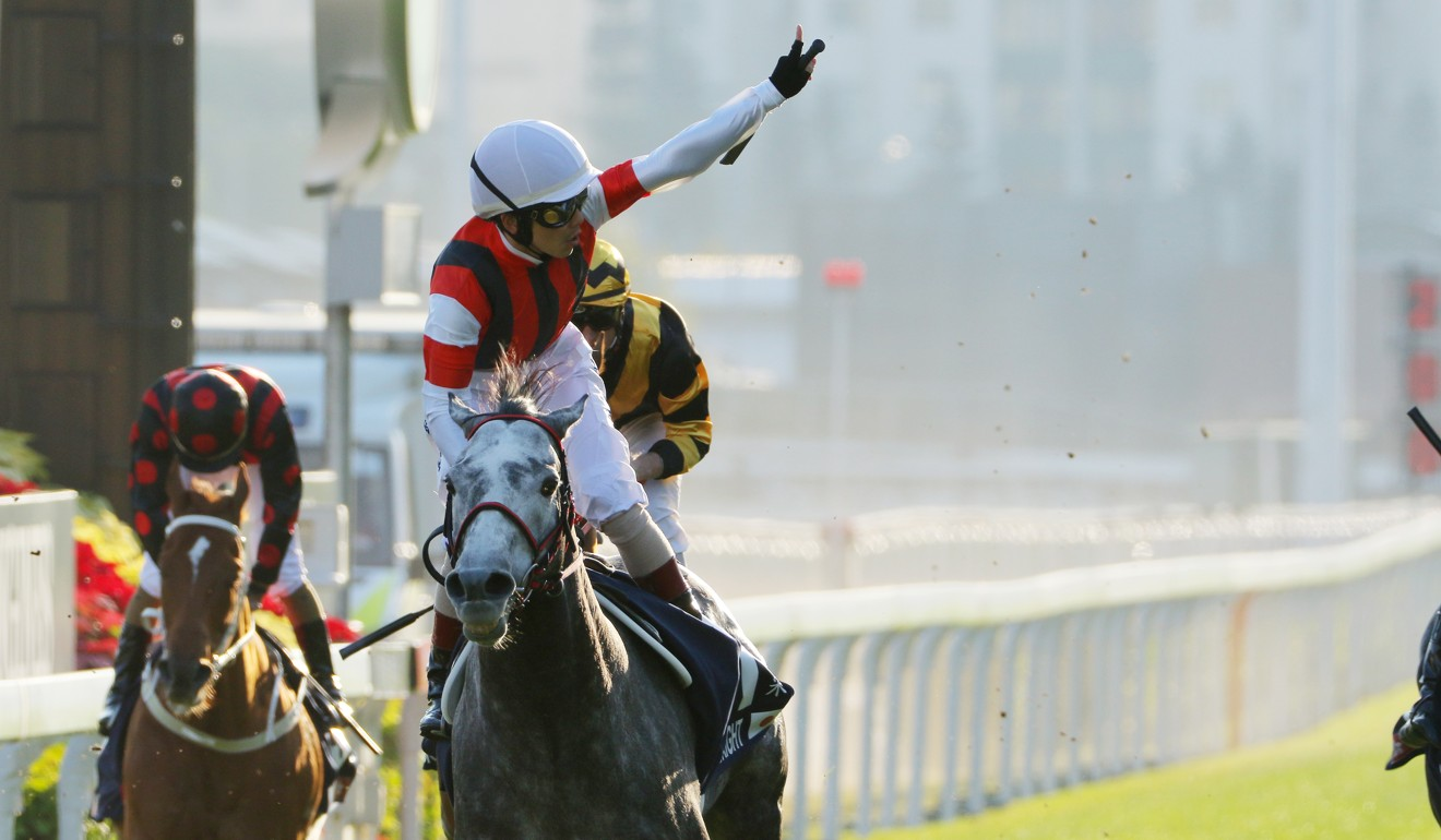 Win Bright wins the Hong Kong Cup in December.