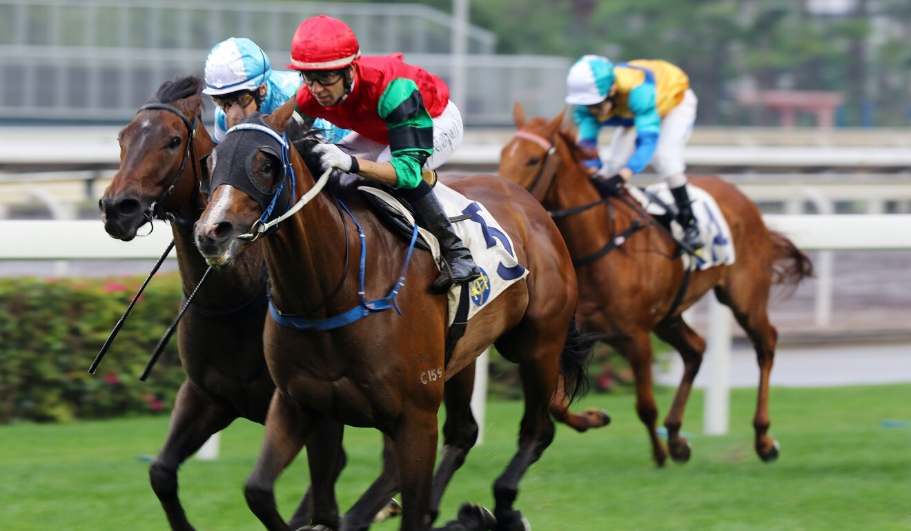 Defining Moment bolts clear under Joao Moreira.