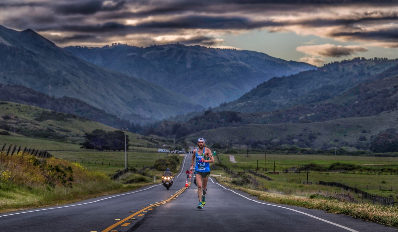 Michael Wardian running the Big Sur Marathon in 2018 – the great outdoors or a small loop, he is able to occupy his mind. Photo: Treadmill