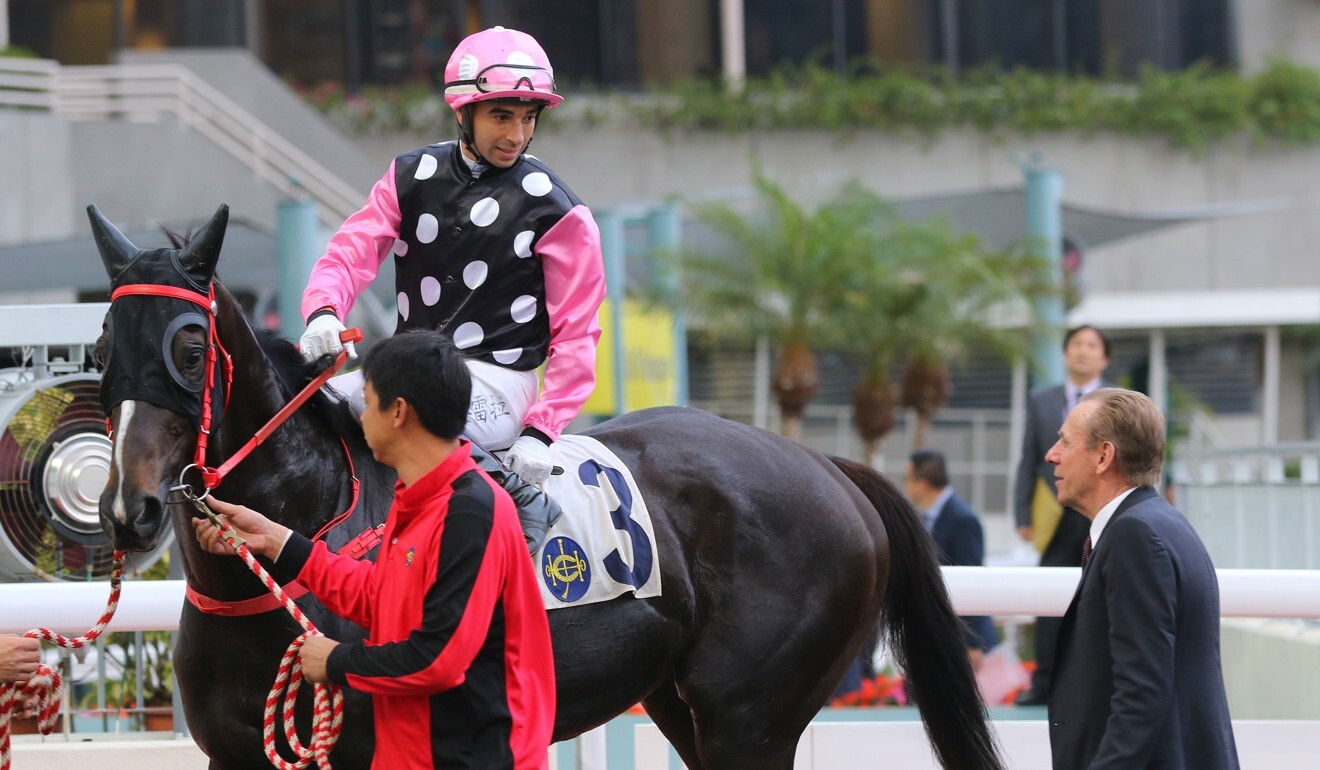 Joao Moreira discusses the win of Beauty Legacy with John Size.