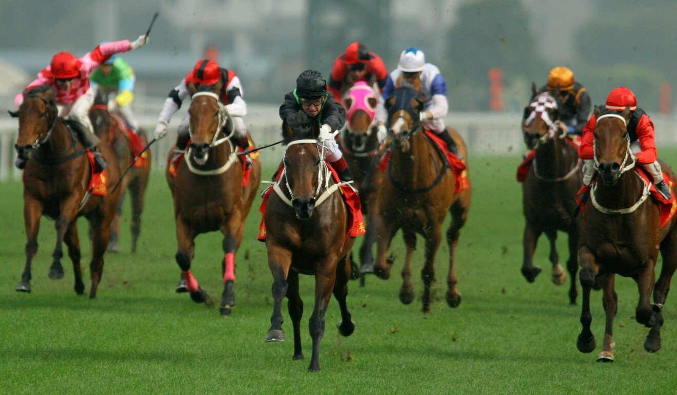Silent Witness and jockey Felix Coetzee (middle) win the Centenary Sprint Cup in 2005 with Country Music (right) coming second.